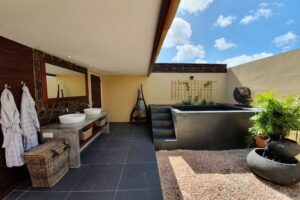 Private magnesium plunge pool_Super